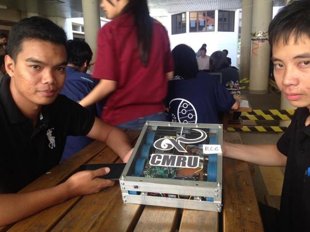 ทีม 9 CMRU คว้ารางวัลเหรียญเงิน การแข่งขันซูโม่หุ่นยนต์ SumoBot Compettition