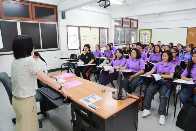 มร.ชม. จัดการอบรมภาษาจีน นักศึกษาโครงการผลิตและพัฒนาครูสู่ความเป็นเลิศ