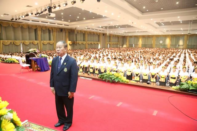 อธิการบดี นำคณะผู้บริหาร ปฐมนิเทศต้อนรับนักศึกษาใหม่ 2558