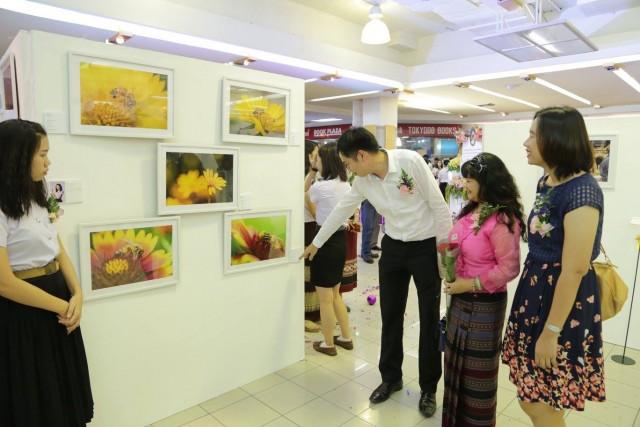 """นศ. ศิลปศึกษา จัดนิทรรศการนำเสนอผลงานภาพถ่าย """"Digital Photo Exhibition 2015"""" (มีคลิป)"""