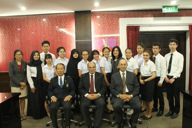 อธิการบดี เป็นประธานการมอบทุนการศึกษาแก่นักศึกษาทุนระหว่างมหาวิทยาลัยราชภัฏเชียงใหม่กับ October 6 University รุ่นที่ 2