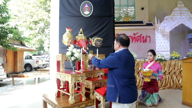 """มร.ชม. ร่วมสืบสานศิลปะการแสดงไทย จัดการแสดง """"วิพิธทัศนาเลิศล้ำวัฒนธรรมคู่ชาติไทยประจำปี 2558"""""""