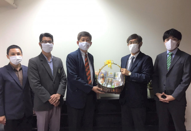 คณะผู้บริหารและคณาจารย์ ม.ราชภัฏเชียงใหม่ เข้าสวัสดีปีใหม่กงสุลใหญ่ญี่ปุ่น ณ นครเชียงใหม่