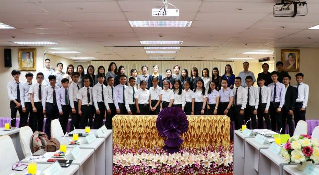 มร.ชม. ต้อนรับคณะทำงานฝ่ายจัดการทุนการศึกษา เข้าเยี่ยมเยือนนักศึกษาทุนพระราชทาน  โครงการพระราชทานความช่วยเหลือแก่ราชอาณาจักรกัมพูชา