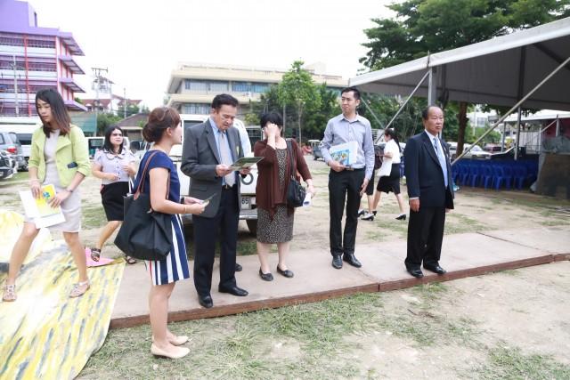 """นายกสภามหาวิทยาลัยและอธิการบดี เยี่ยมชมการเตรียมงานในวันสุดท้ายกับงาน """"7 ทศวรรษกษัตราทรงครองไทย ราชภัฏเชียงใหม่เทิดไท้ปิ่นราชัน"""""""