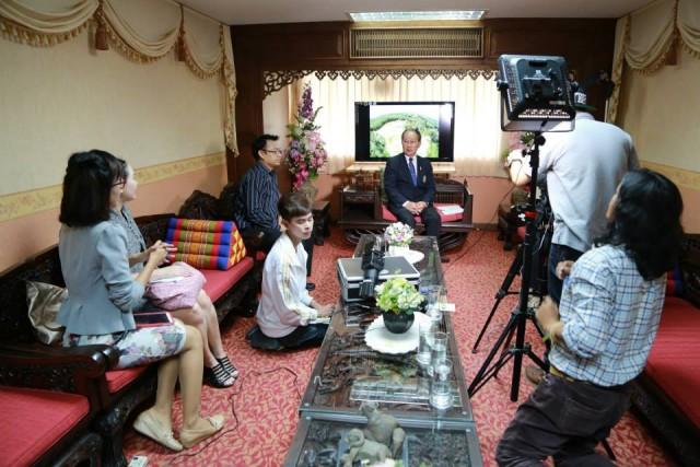 อธิการบดี มร.ชม. สัมภาษณ์ CITC จัดทำสื่อวิดีทัศน์ชุมชนต้นแบบแห่งเมืองสีเขียว