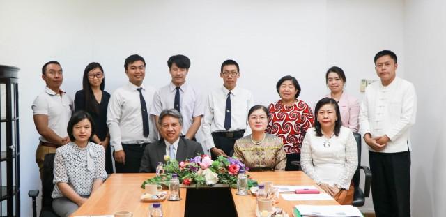 ม.ราชภัฏเชียงใหม่ จัดพิธีปฐมนิเทศนักศึกษาโครงการครูอาสาในการเผยแพร่ศิลปะและวัฒนธรรมไทย  ณ วัดพระธาตุดอยสุเทพ USA รัฐแคลิฟอร์เนีย ประเทศสหรัฐอเมริกา ประจำปี 2561-2562