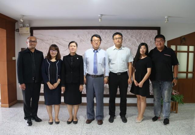 มร.ชม. ต้อนรับคณะผู้บริหารจาก มหาวิทยาลัยชิงเต่า สาธารณรัฐประชาชนจีน