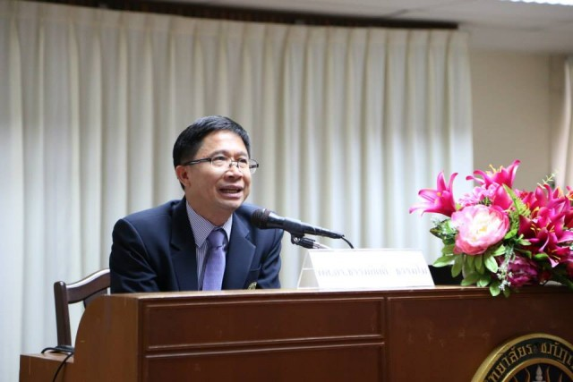 รองฯ ผศ.ดร.ธรรมกิตติ์ ให้เกียรติเปิดสัมมนา การบริหารงานห้องสมุดเพื่อความสำเร็จในศตวรรษที่ 21